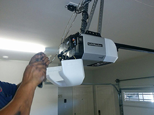 garage door opener repair in Cinnamon Hills